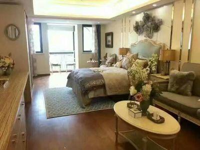 经典一室一厅,房东低于市场价格出租,随时看房。有钥匙