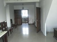 长江绿岛 毛坯三房 有汽车库现在做成公寓 满五年唯一 房东诚心出售 看房方便