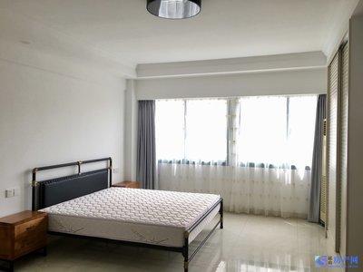 中茵广场,金鹰商圈,单身公寓,豪华精装,家电齐全,2200,看房方便