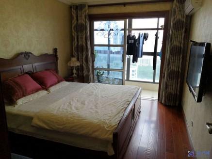 城西时代中央社区,婚房装修4房,景观楼层,带车位,房东急售,看房方便