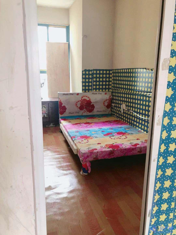 光大花园三室 有空调 冰箱 洗衣机 黄金楼层 采光好 舒适 舒心 拎包入住