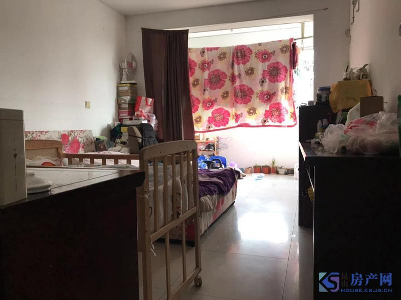 共青小区 满五唯一 黄金三楼 两房朝南 培本娄江未用 看房方便 诚心出售