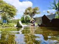 绿地别墅300平,地下一层地上三层出行方便满二可上学环境好赠花园阳台