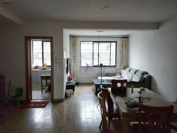 通澄花园 精装大2房 黄 金楼层 房东诚心出售 随时看房 多套房源在售