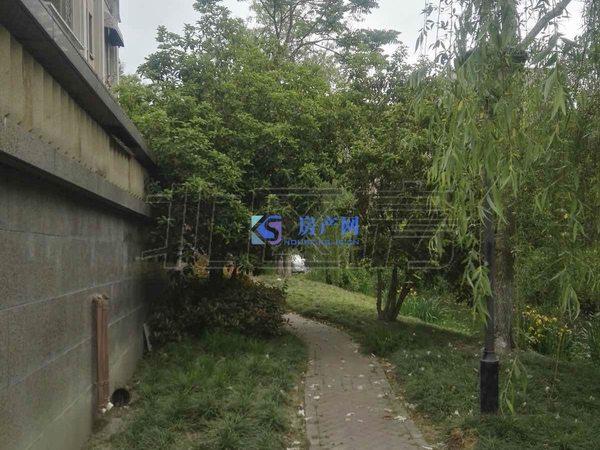 世茂东壹号184平加40平车库 均有产证 下叠赠送前后花园40平