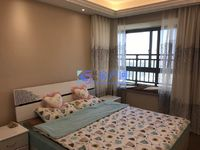 低于市场价 长江绿岛 大三房豪华装修送30 平大露台