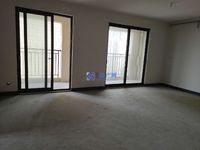 华润国际毛坯3房,均价2万6带南北通透,景观楼层,房东诚心出售,看房方便。